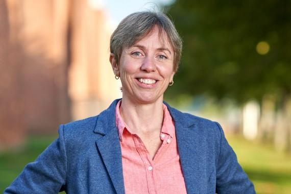 Nicole Dybro Justesen - Business Horsens
